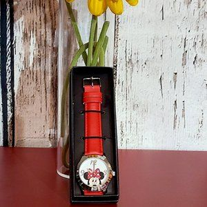 Peek-a-Boo Minnie Mouse Watch